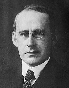 Photo of Arthur Stanley Eddington.